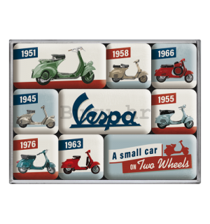 Set magneta - Vespa (A Small Car on Two Wheels)
